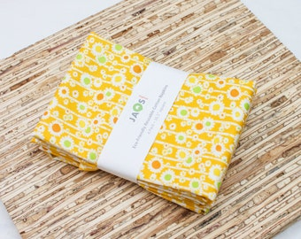 Large Cloth Napkins - Set of 4 - (N4858) - Yellow Straw Flower Medallion Modern Reusable Fabric Napkins
