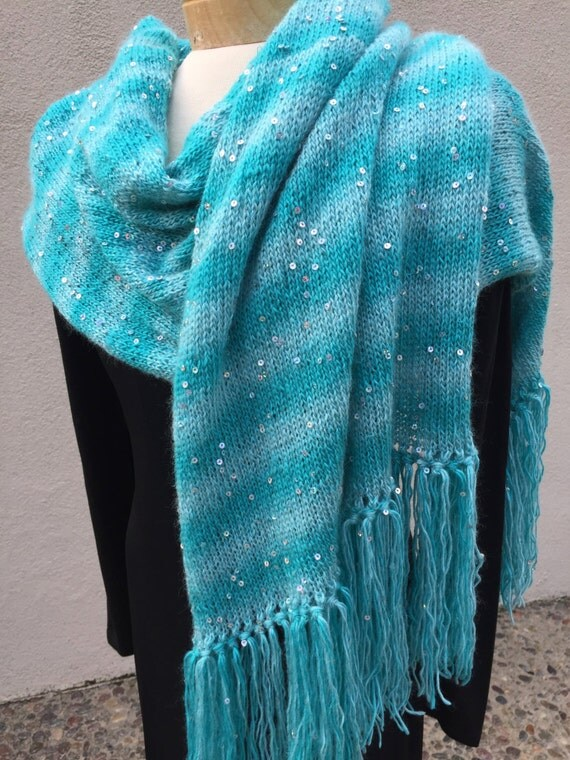 You will sparkle while wearing this lovely aqua dream