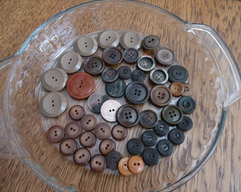 Lot Brown Buttons, 50 Vintage brown buttons