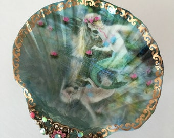 Jewelry Dish, A Mermaids Reflections Medium Shell Jewelry Dish Trinket Dish Ring Dish Collectable Shell
