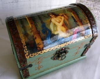 Mermaids Treasure Chest Jewelry Box / Keepsake Box