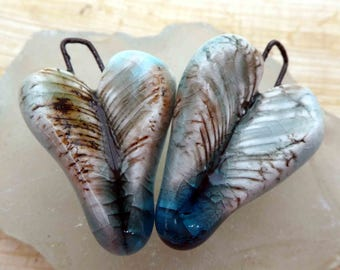 Feathery Turquoise Crackle Hearts