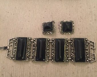 Chunky thermoset bracelet and clip earrings