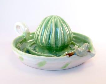 Citrus Juicer. Pottery Citrus Squeezer. Kitchen Tools. Lemon Juicer. Margaritas. Green Ceramics. Handmade Pottery. Kitchen Utensils. Gifts