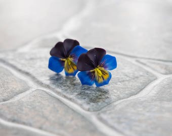 Blue Black Pansies Stud Earrings Wholesale Kiss-me-quick Studs Small Hypoallergenic Polymer Clay Studs Bridal Wedding Birthday Gift Earrings