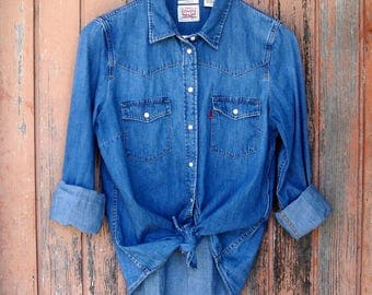 Women's LEVIS Denim Shirt 90s