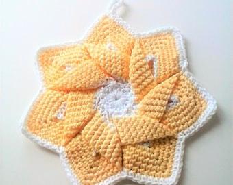 Mid-Century Retro Star Flower Potholder - Pastel Yellow and White - 100% Cotton, Eco-friendly, Re-usable, Reversible