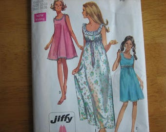 Simplicity Patten 8252 Misses' Jiffy Nightgown in Two Lengths     1969