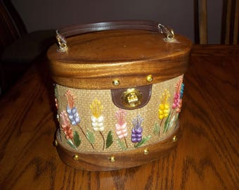Vintage Whidby straw wood bucket purse handbag lucite handle, NICE condition, Made in Philippines 50s 60s