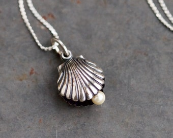 Seashell Necklace - Sterling Silver Shell holding a Pearl - Vintage Oxidized Jewelry - Nautical Necklace