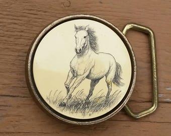 """Vintage 1978 BTS Solid Brass Etched Horse Belt Buckle 2 1/8"""" Diameter"""