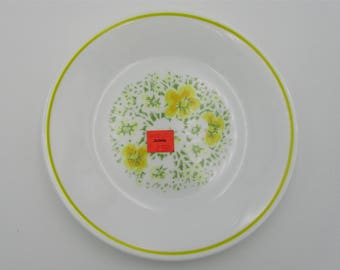 NEW Old Stock Corelle Corning 6.75-In Bread and Butter Plate Vintage 1970s April