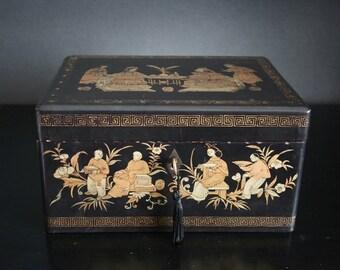 Antique tea box, black lacquer Chinese tea box