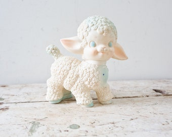 Vintage Plastic Lamb Sheep Toy - White Farm Animal Squeeze Toy Squeaker Toy Vintage Dog Toy 1955 Rubber Squeak Toy