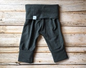 Organic Bamboo Grow with me pants in Charcoal Grey- Evolution leggings- Baby pants- Baby leggings- Maxaloones