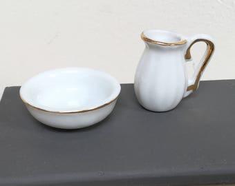 Dollhouse miniature wash basin with pitcher