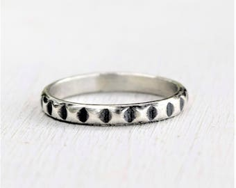 Size 7 - Sterling Silver Notched Pyramid Band - Sterling Silver Jewelry - Stacking Ring - Gift For Her