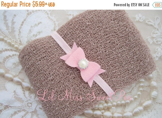 20% OFF SALE Taupe Knit Wrap AND / Or Matching Pink Felt Bow Headband set for photo shoots, boy swaddle, order separately, Lil Miss Sweet Pe