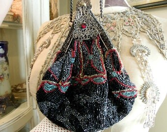 Antique Victorian Edwardian / Beaded Small Reticule Beaded Handbag / Wedding Handbag / Coin Purse / Downton Abbey / Glass Beads