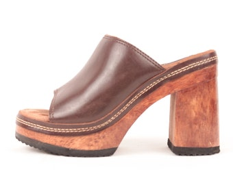 brown leather candies sandals // wood platforms // size 7