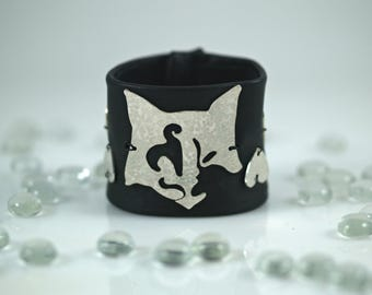 Sterling Silver Cat and Black Leather Cuff Bracelet, Cat Face, Hearts, Soft Glove Leather, Hammered & Pierced Sterling Silver, Snap Closing
