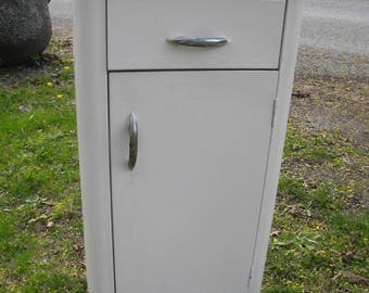 good shape 1930s 1940s mid century industrial steampunk craced ice formica top METAL KITCHEN storage utility CABINET pick up only
