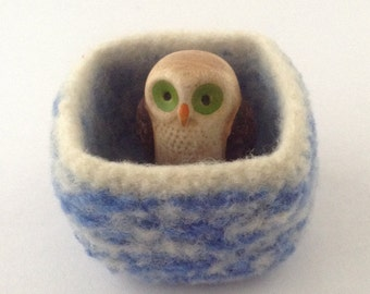 felted wool bowl, ring dish, desktop storage, square shaped container, blue and cream colored wool