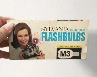 Vintage Camera Flashbulbs ~ Sylvania Blue Dot Full Box