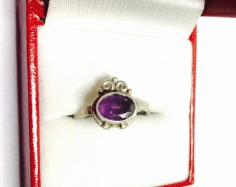 Art Deco Amethyst Ring Size 7, Antique Silver, Oval Stone, Index Ring, No Marking, Birthstone, Item No. S280