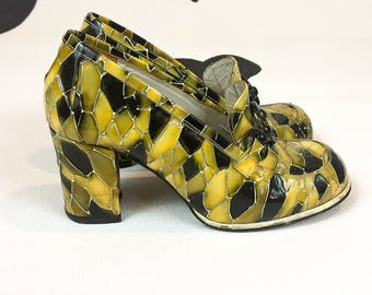90s Luichiny Yellow Crocodile Patent Chunky Heeled Loafers / Pumps / Mod / 90s does 60s / Size 8 / Pilgrim / Party Girl / Clueless / Gold /