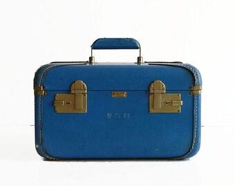 vintage blue train makeup case 1950s 1960s travel suitcase luggage