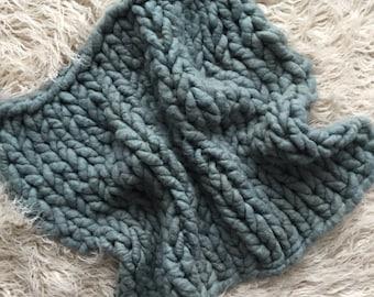 Soft PINE green Organic ALPACA luxury big knit soft layer, hand dyed with mohair bonnet to match, prop set, newborn prop