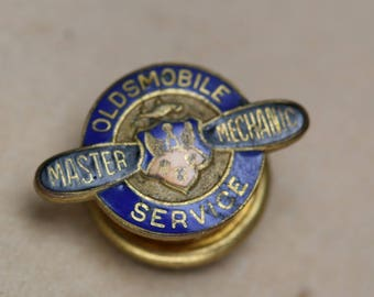 Vintage Oldsmobile Master Mechanic Service Lapel Pin