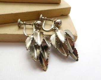 Vintage Dimensional Silver Tone Leaf Cluster Dangle Screw Back Earrings