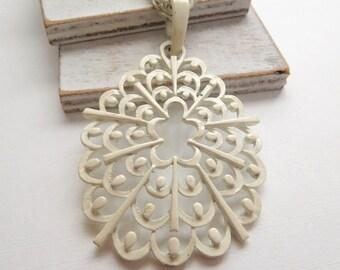 Vintage White Enamel Double Chain Large Statement Pendant Necklace W48