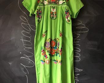 Vintage Green Mexican Embroidered Dress Size L