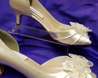 Wedding Shoes short kitten heel Ivory or White or Off-White, appliqués Embellished lace, comfortable peep toe, edwardian, renaissance, deco