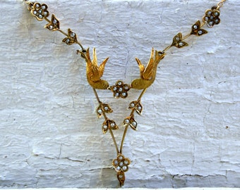 RESERVED - Lovely Vintage Bird Necklace with Pearls in 14K Yellow Gold.