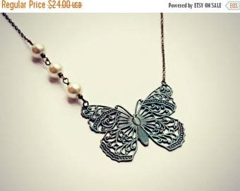 SUMMER SALE patina butterfly necklace, butterfly jewelry, butterfly accessory, vintage butterfly, bridal jewelry