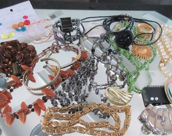 Mixed Lot (jlot8) ~ WEARABLE COSTUME JEWELRY ~ Mixed Metals / Stones