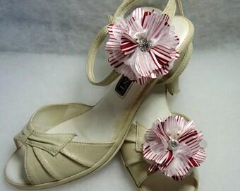 Shoe Embellishments, Red White Shoe Clips, Flower Shoe Clips, REX16-406