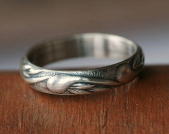 Sterling Silver Vine Pattern Band in Antique Silver Finish