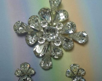 15% Discount Clear Rhinestone Demi Parure Brooch and Clip Earrings   Item No: 15901