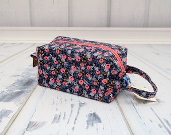 Riffle paper co roses fabric Small boxy bag, Knitting Boxy Project Bag,Knitting Project Bag. Sock Knitting bag. Crochet bag,zippered box bag