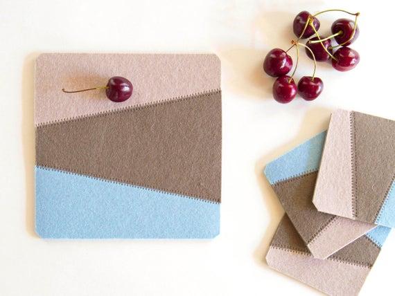 Felt trivet / square trivet / decorative mat / geometric / pastel colors / home decor / wool felt / handmade in Italy