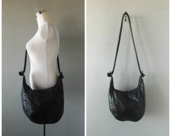 slouchy black leather purse | vintage 80s crossbody hippie boho shoulder bags minimal basic handbag 1980s hippy dress hipster rock chic tote