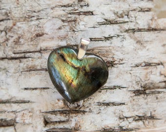 Labradorite heart pendant, green blue, natural untreated labradorite, golden blue, rainbow flash spectrolite stone, sterling silver