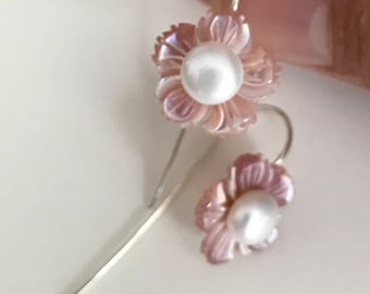 Natural Mother of pearl carved flowers and culture pearl hoop.