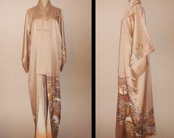 Vintage kimono - Homongi, Creme beige, Traditional scenery, Rinzu silk,