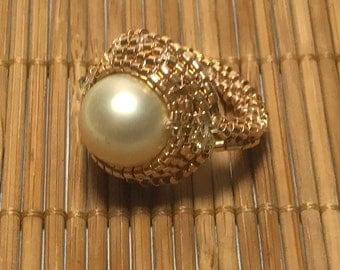 Gold Beadwoven Ring Peyote Ring Woven Ring Beadwork Ring Pearl Beaded Ring Beadwoven Ring Seed Beaded Ring Gold Bead Pearl Ring